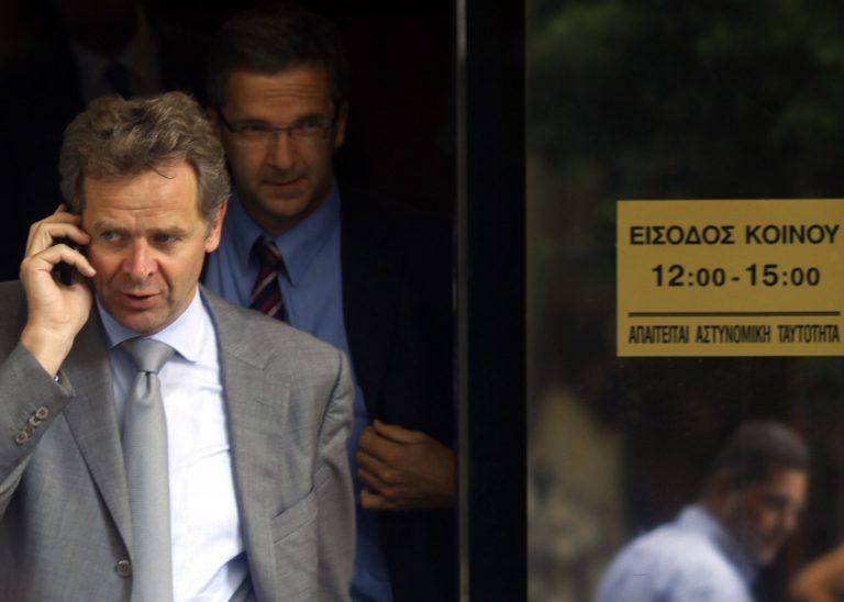 Ακάθεκτοι οι ελεγκτές της τρόικας ζητούν νέα μέτρα – Όχι από Ε. Βενιζέλο | Newsit.gr