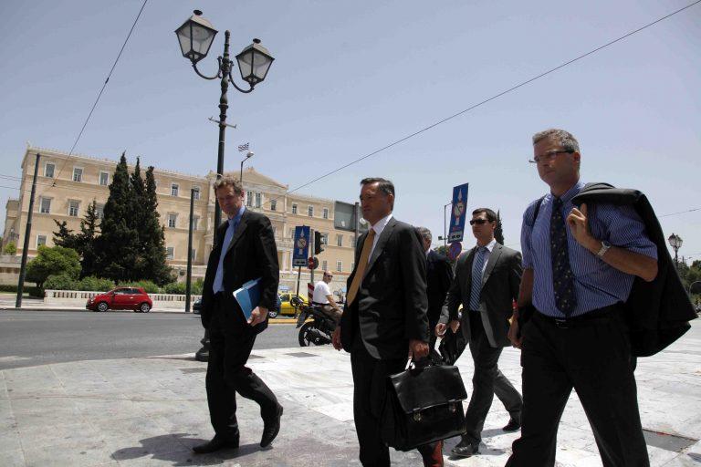 Παρατηρητές της τρόικας θα ελέγχουν τις αποκρατικοποιήσεις   Newsit.gr