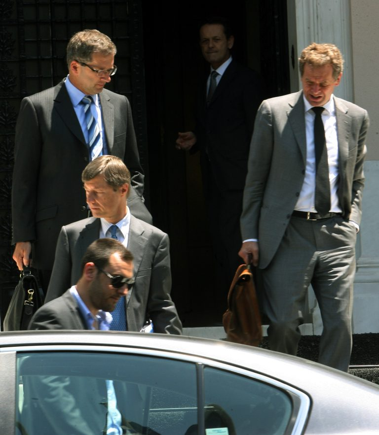 Αντίστροφη μέτρηση για το Eurogroup όπου θα κριθεί η τύχη του Μνημονίου | Newsit.gr