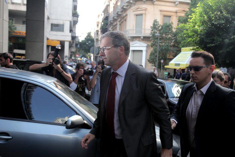 Σε εξέλιξη η νέα συνάντηση Στουρνάρα – τρόικας   Newsit.gr