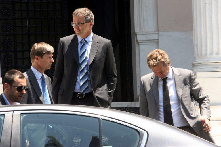 Αγώνας δρόμου για να βρεθούν 3 δισ. ευρώ μέχρι την Πέμπτη – Την ίδια ημέρα νέα σύσκεψη των πολιτικών αρχηγών | Newsit.gr