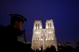 Φόβος και… περιπολίες σε ευρωπαϊκές πόλεις την Άγια Νύχτα των Χριστουγέννων!