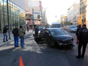 Σφοδρό τροχαίο στην Συγγρού – Μάχη για την ζωή του δίνει ο οδηγός