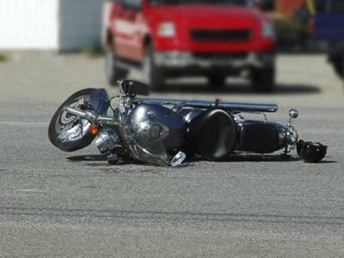 Νεκρός μοτοσικλετιστής στην Κύμη   Newsit.gr