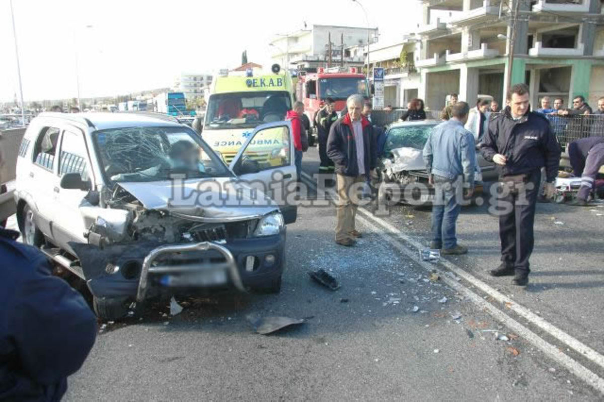 Φθιώτιδα: Μετωπική στη Στυλίδα με 5 τραυματίες! ΦΩΤΟ | Newsit.gr