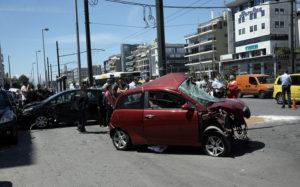 Νεκρός ο οδηγός του σοβαρού τροχαίου στην Συγγρού – Εικόνες σοκ