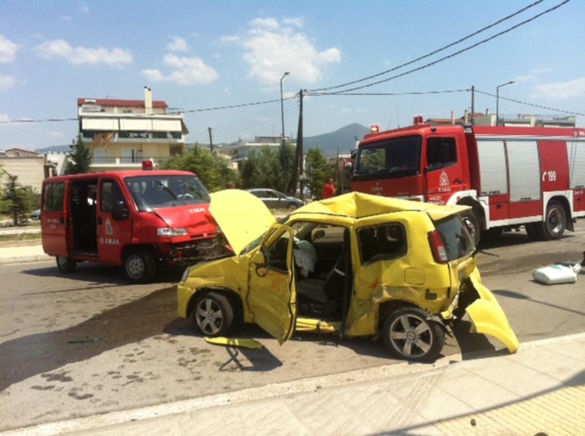 Μάνα και κόρη τράκαραν με την Πυροσβεστική! Φωτό | Newsit.gr