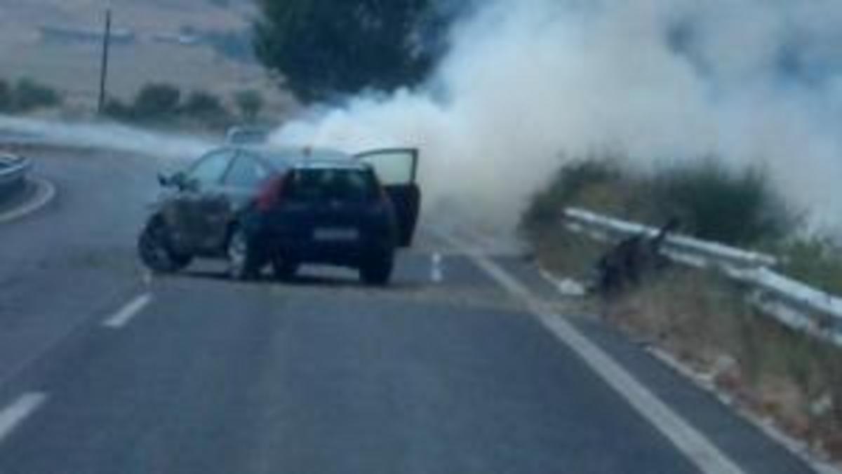 Τρίκαλα: Αναίμακτη καραμπόλα στην εθνική οδό   Newsit.gr