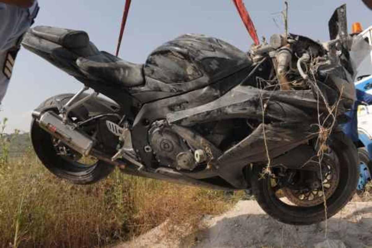 Χαλκίδα: Έπεσε με τη μηχανή και σκοτώθηκε | Newsit.gr