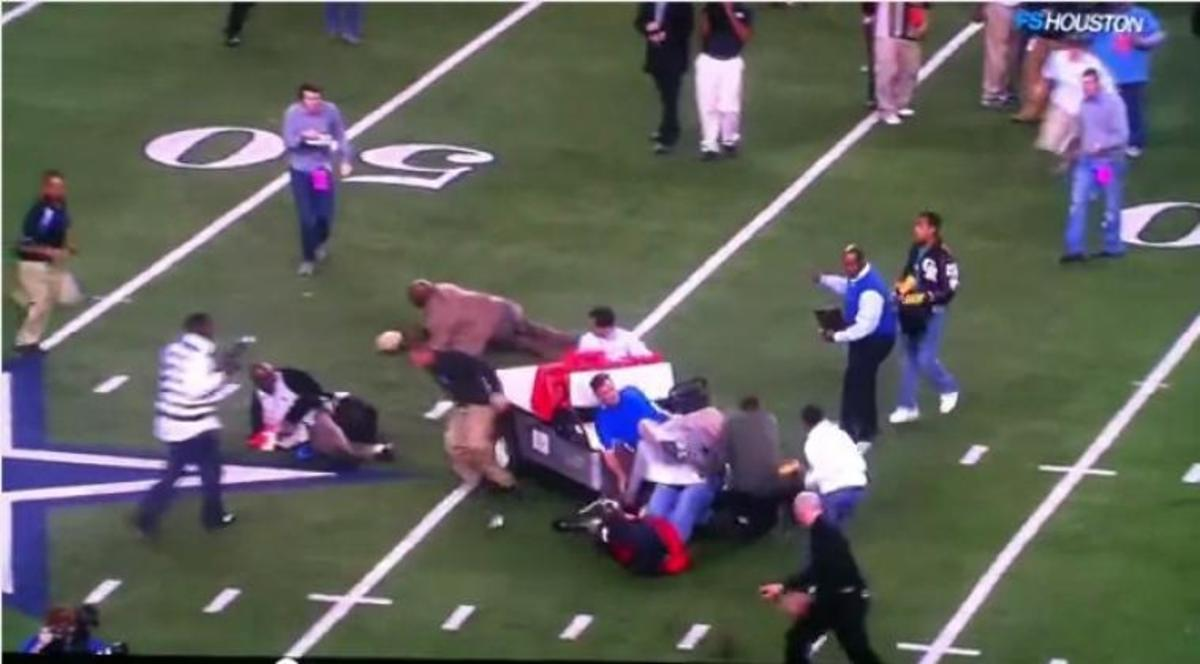 Ακυβέρνητο cart σκορπάει τον τρόμο σε γήπεδο american football!   Newsit.gr