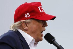 Στον πλανήτη… Ντόναλντ ο Τραμπ! Αδιαφορεί για το «θερμό» επεισόδιο