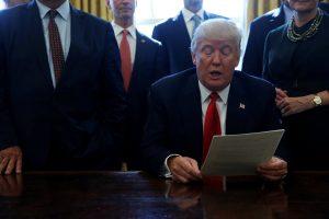 Νέο ρεκόρ Τραμπ! Πέτυχε αρνητική δημοτικότητα από τον πρώτο μήνα