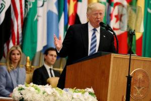Άρχισαν τα όργανα! Τραμπ: «Θα στηρίξουμε τον πόλεμο κατά του Ιράν»