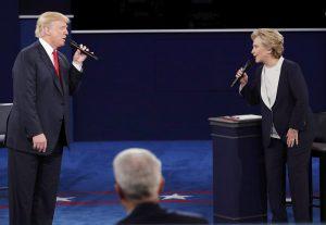 Debate – ΗΠΑ: «Αίμα» και… αβρότητες! Τραμπ: «Θα σε βάλω φυλακή» – Κλίντον: «Καλύτερα να μην βγεις πρόεδρος»