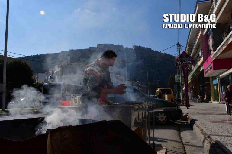 Τσικνοπέμπτη: «Χάθηκε» το Παλαμήδι από την τσίκνα στο Ναύπλιο! [pics]   Newsit.gr