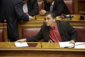 Καταγγελίες για Τσακαλώτο: Είπε πως δεν ξέρει πότε θα αρθούν τα capital controls