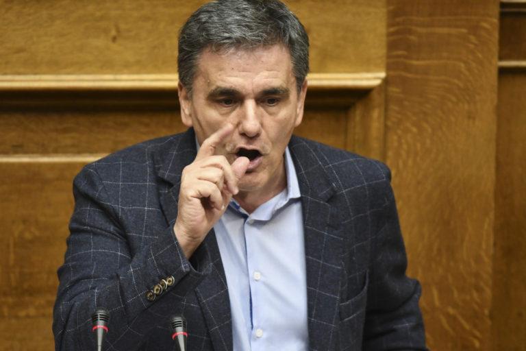 Τσακαλώτος: «Διαλέξτε! Ή 3ο μνημόνιο ή… 14ο»! | Newsit.gr