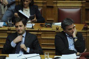 Διαπραγματεύσεις: Στο Eurogroup με άδεια χέρια! Αυτά είναι τα «αγκάθια»