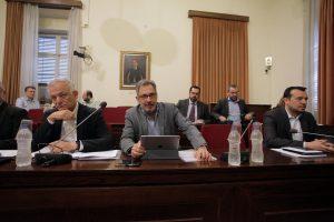 """Τσακνής εναντίον Κασιδιάρη στη Βουλή για την ΕΡΤ! """"Έχετε ρητορική μίσους"""""""