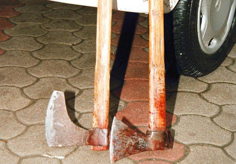 Φθιώτιδα: Άνοιγαν κεφάλια με τσεκούρια, ξύλα και μαχαίρια | Newsit.gr