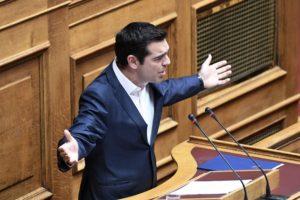 Βουλή: «Βολές» Τσίπρα σε Μητσοτάκη! «Ψευδοπροφήτης, γραφικός και ξεπουπουλιασμένα κοτόπουλα»! [vid, pics]