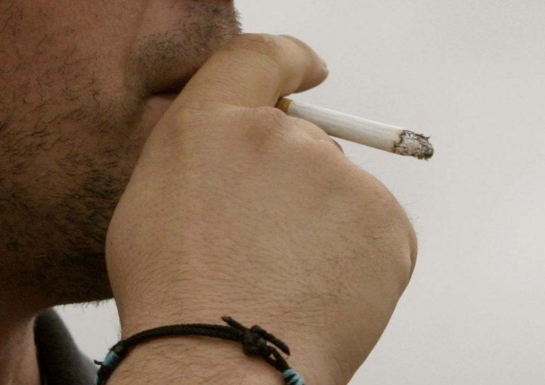 Δεκαετίες πίσω! Αγοράζουν χύμα τσιγάρα από τα περίπτερα στην Ηλεία | Newsit.gr