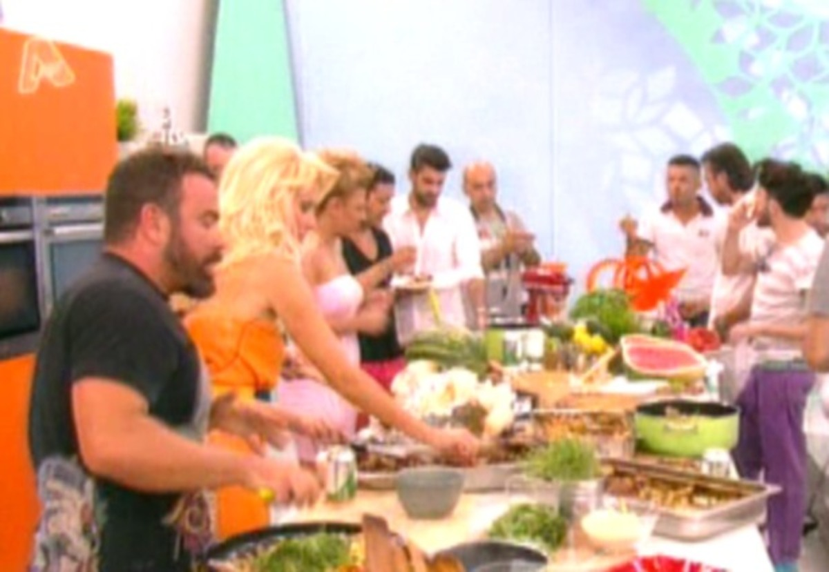 Απίστευτο τηλεοπτικό τσιμπούσι στην εκπομπή της Μενεγάκη! | Newsit.gr