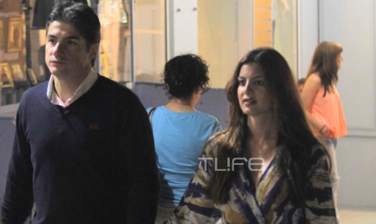 Σ. Τσιμτσιλή – Θ. Σοφός: Ερωτευμένοι στην Τήνο! Φωτογραφίες | Newsit.gr