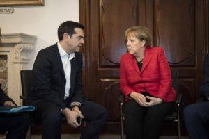 """Τσίπρας σε Μέρκελ: """"Λύση ή game over"""" – Οι δραματικοί διάλογοι και το παρασκήνιο της συμφωνίας!"""