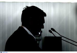 Ψάχνουν άκρη με τις τηλεοπτικές άδειες – Συγκάλεσε Πολιτικό Συμβούλιο ο Τσίπρας