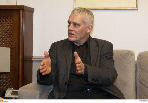 Τσιρώνης: Κάνναβη στο μπαλκόνι μας με ένα παράβολο