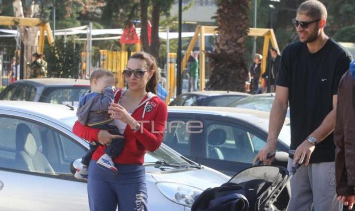 Μ. Τσουρή: Βόλτα με τους άντρες της ζωής της στη Γλυφάδα! | Newsit.gr
