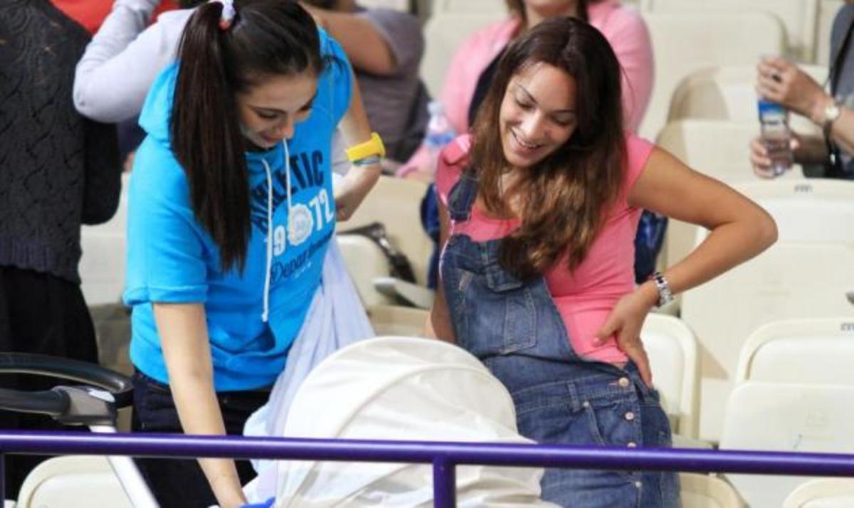 Ο. Χοψονίδου: Η πρώτη δημόσια εμφάνιση με το νεογέννητο γιο της! | Newsit.gr