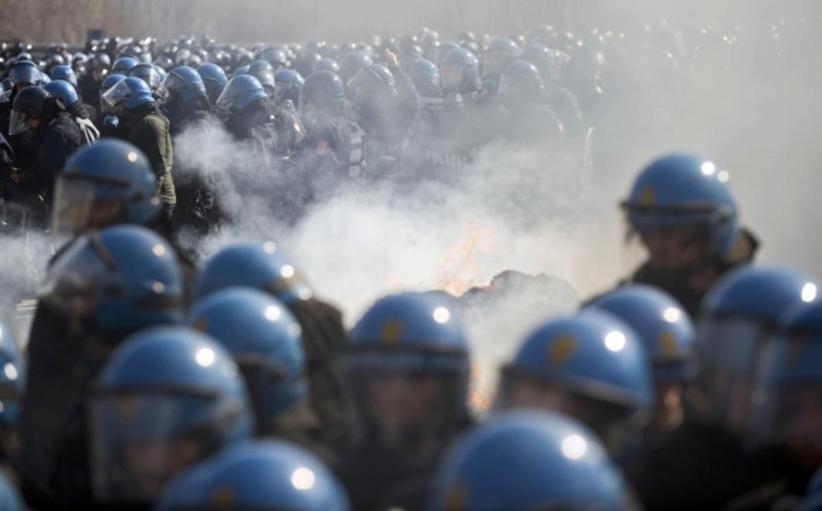 Παρέμβαση Μόντι μετά από τρία 24ωρα συγκρούσεων | Newsit.gr