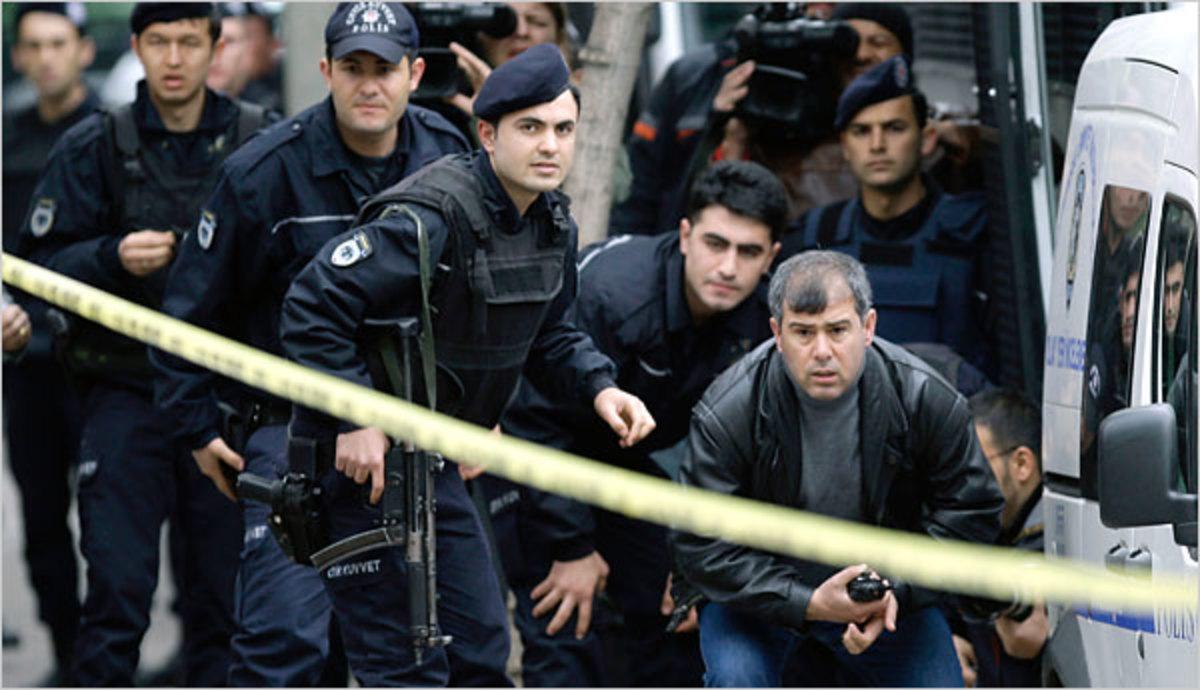 Τουρκία: Γυναίκα εκπαιδευμένη στην Ελλάδα πίσω από τη φονική επίθεση του αστυνομικού | Newsit.gr