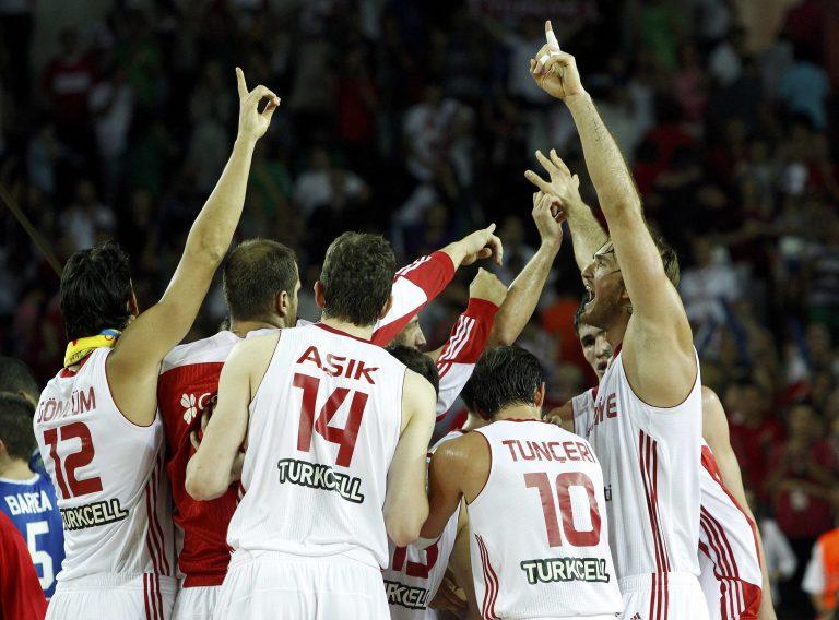 Με την «ψυχή στο στόμα» η Τουρκία – Δείτε τις ομάδες που προκρίθηκαν | Newsit.gr
