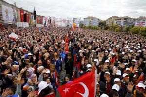 Τουρκία – Εκλογές: Μετράει τις δυνάμεις του ο Ερντογάν – Τι δείχνουν οι δημοσκοπήσεις