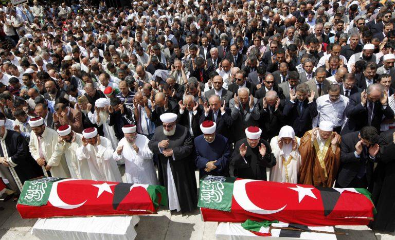 Θρήνος και οργή στην Τουρκία – Κηδεύτηκαν οι 9 ακτιβιστές | Newsit.gr