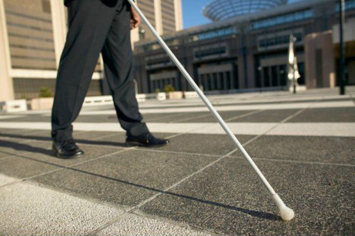 Η ώρα της κρίσης για το γιατρό των «τυφλών» στη Ζάκυνθο | Newsit.gr