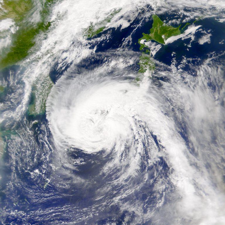 Τυφώνας και στην Ιαπωνία, «χτύπησε» την Οκινάουα | Newsit.gr