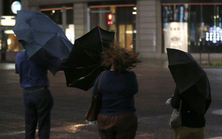 Ιαπωνία: Ο τυφώνας Τζελαουάτ άφησε πίσω δυο νεκρούς   Newsit.gr