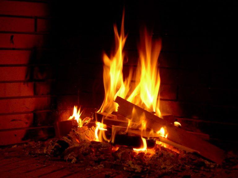Εύβοια: Πήγε να ανάψει το τζάκι και κάηκε ζωντανή   Newsit.gr