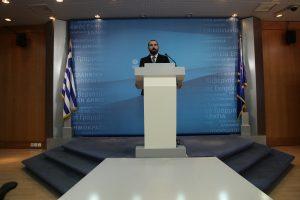 Τζανακόπουλος: Περιμένω από τη ΝΔ να καταγγείλει τον Γιούνκερ