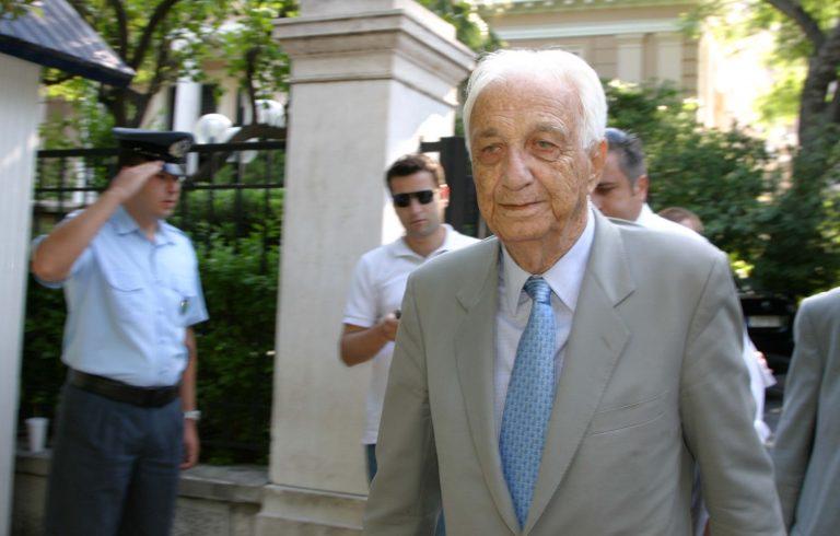 Πέθανε ο Τζανής Τζαννετάκης   Newsit.gr