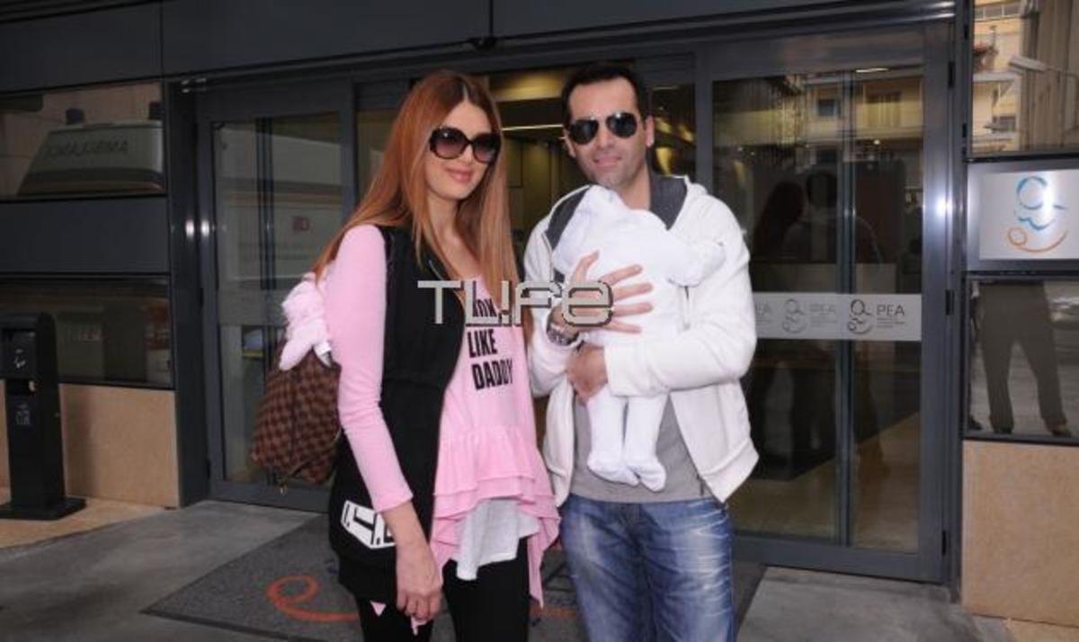 Τζ. Τζιβεριώτη: Επιστροφή στο σπίτι με την κορούλα της! Φωτογραφίες | Newsit.gr