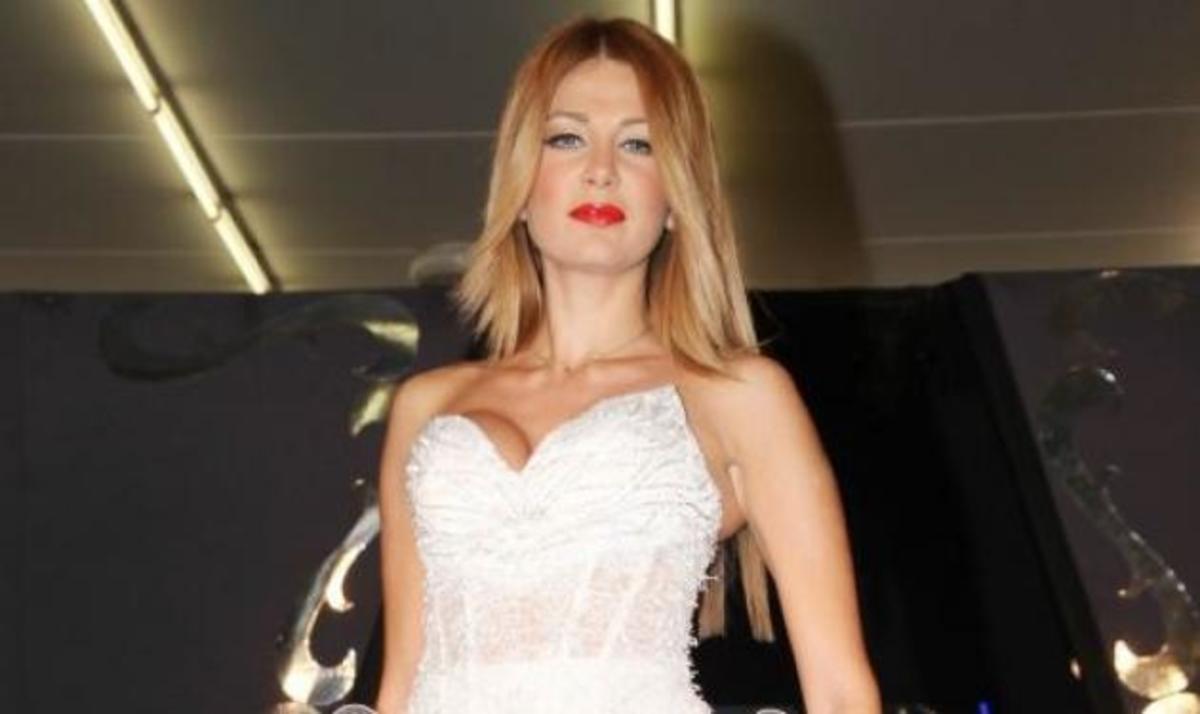 Η «πεντάμορφη» της πασαρέλας… ντύνεται νυφούλα! | Newsit.gr