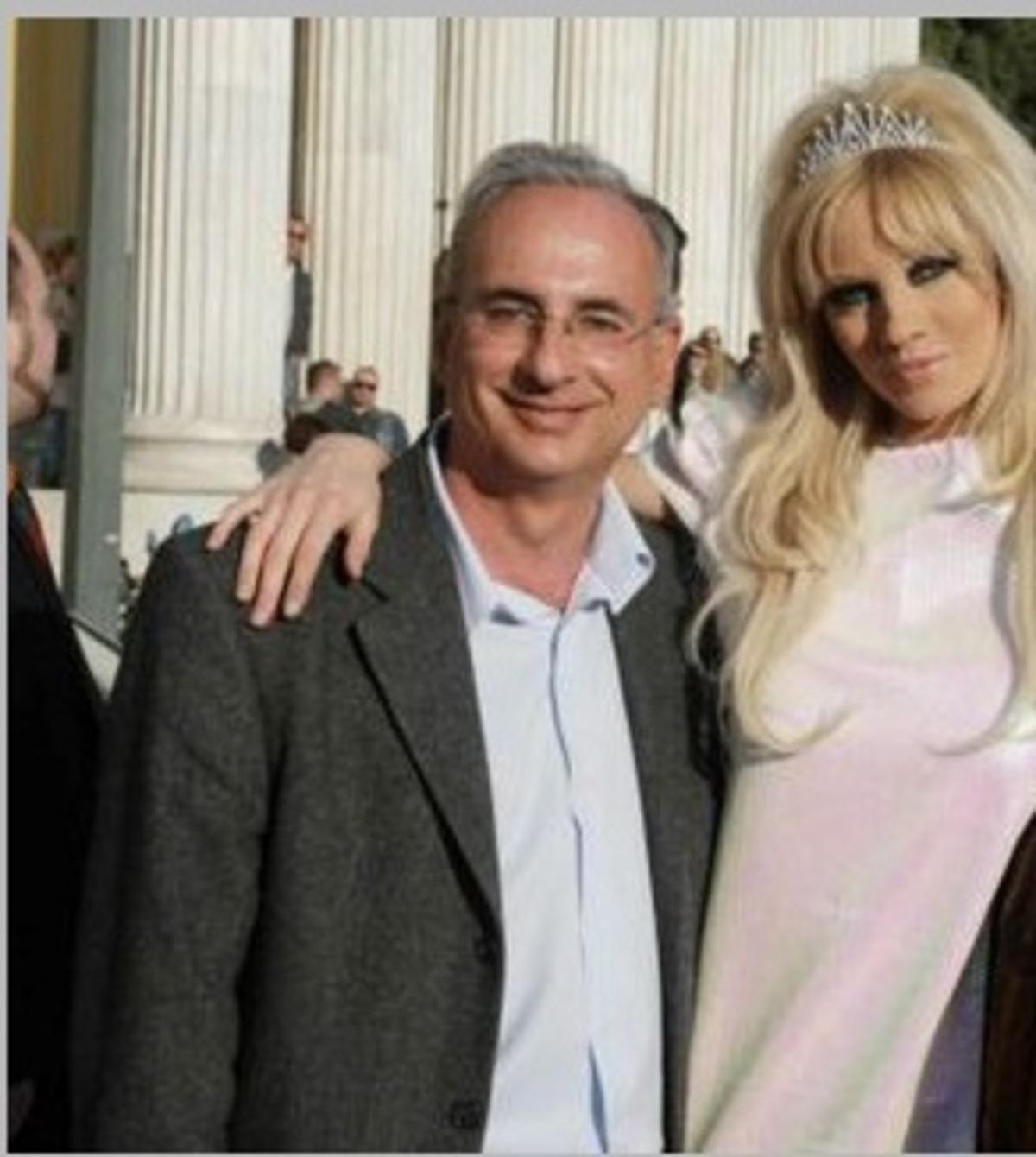 Σε οριακό σημείο η υγεία του πατέρα της Τζούλιας! | Newsit.gr