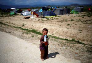 Δεκαεννέα οργανώσεις σε Τσίπρα: Πάρε τους πρόσφυγες από τα νησιά