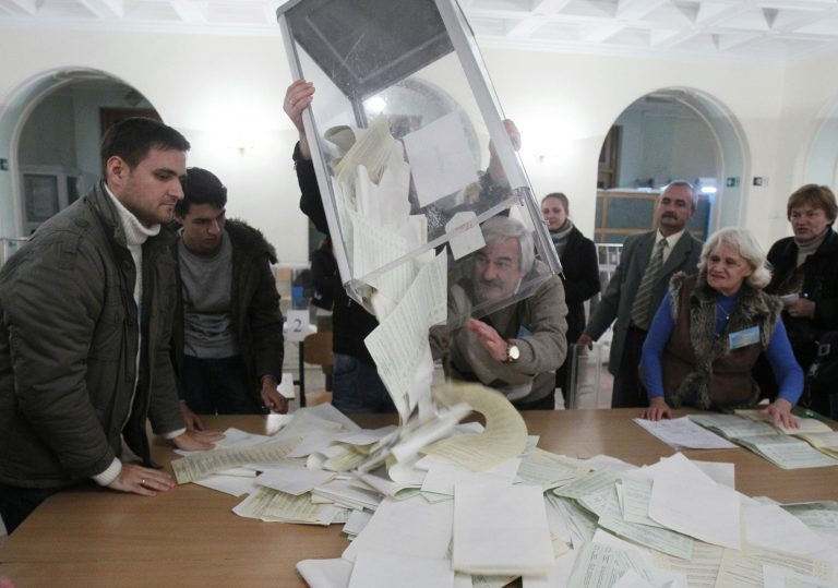 Ουκρανία: Πάλι ο Γιανούκοβιτς νίκησε τη Γιούλια – Εκτός Βουλής ο Σεφτσένκο | Newsit.gr