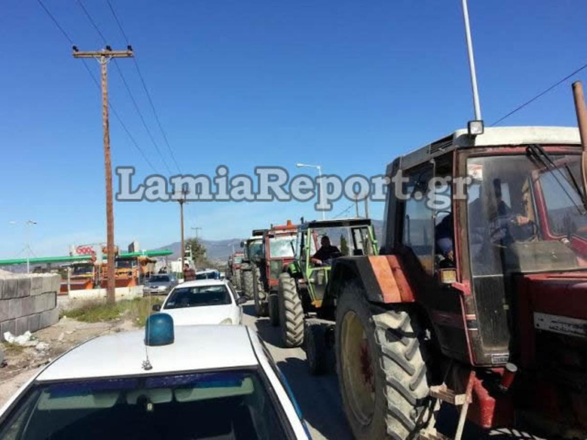 """Φθιώτιδα  Αγρότες και ΜΑΤ έδωσαν """"ραντεβού"""" στο μπλόκο της Ανθήλης – Φωτό! 7876aac6f4c"""